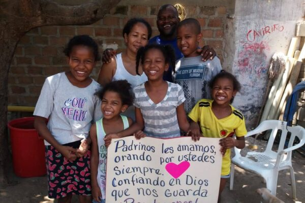 niños apadrinados por padrino españoles
